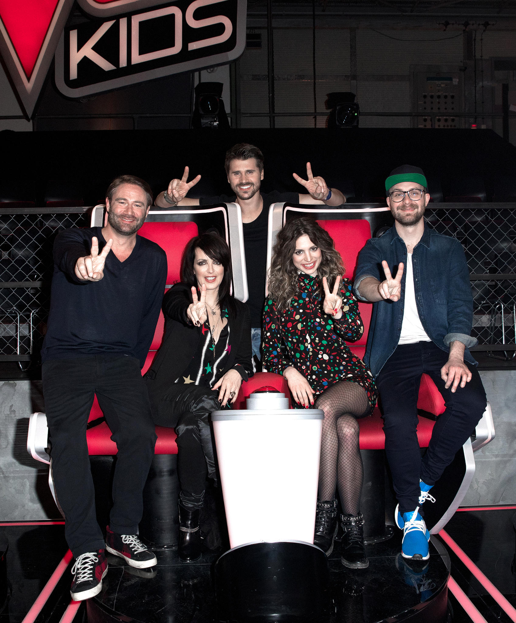 """21. Januar 2017: Bald geht die neue Staffel """"The Voice Kids"""" los. Hier stellt sich die Jury und der Moderator den Kameras. Von Links: Sasha, Nena, Thore Schölermann, Larissa Kerner und Mark Foster."""